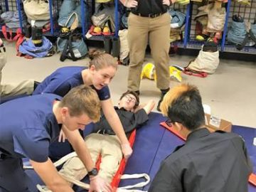 Eastern students team up to practice medical skills