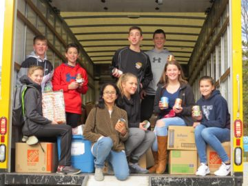 Pleasant Hills middle-schoolers exceed goal for Thanksgiving Food Bank contributions