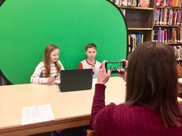 Fourth-grade students make space-related videos in research, technology project