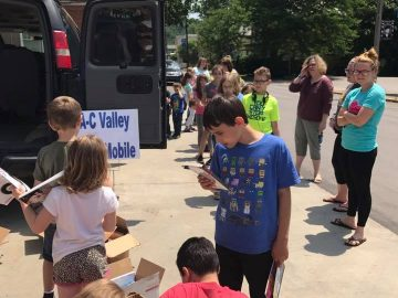 Book Mobile promotes summer reading