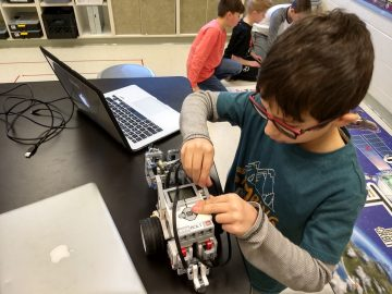 Oley Valley ES & MS Participate in First LEGO Challenge