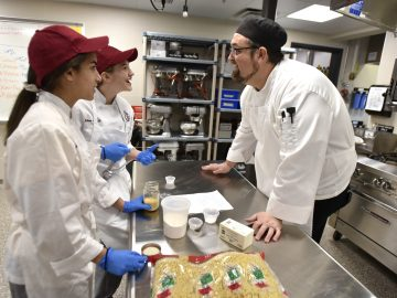 Chef gives culinary arts students a taste of success