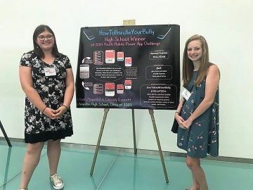 Students win MIT app challenge