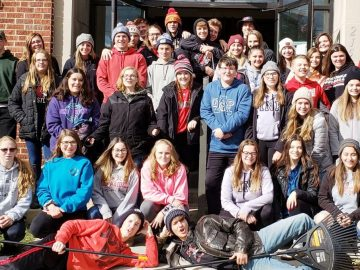 Students participate in community clean-up