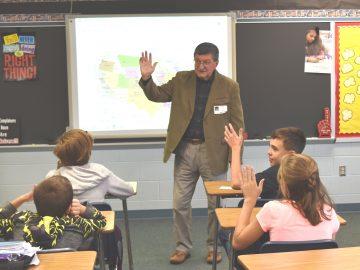 Former teacher/immigrant visits Social Studies Class
