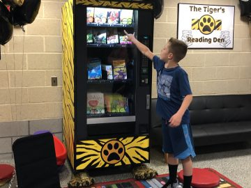 The Tiger's Reading Den gives away free books to students