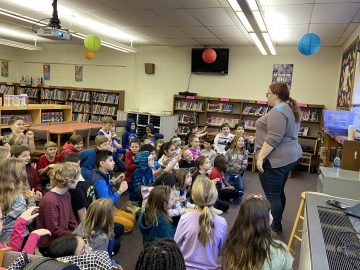 Elementary students learn about food around the world
